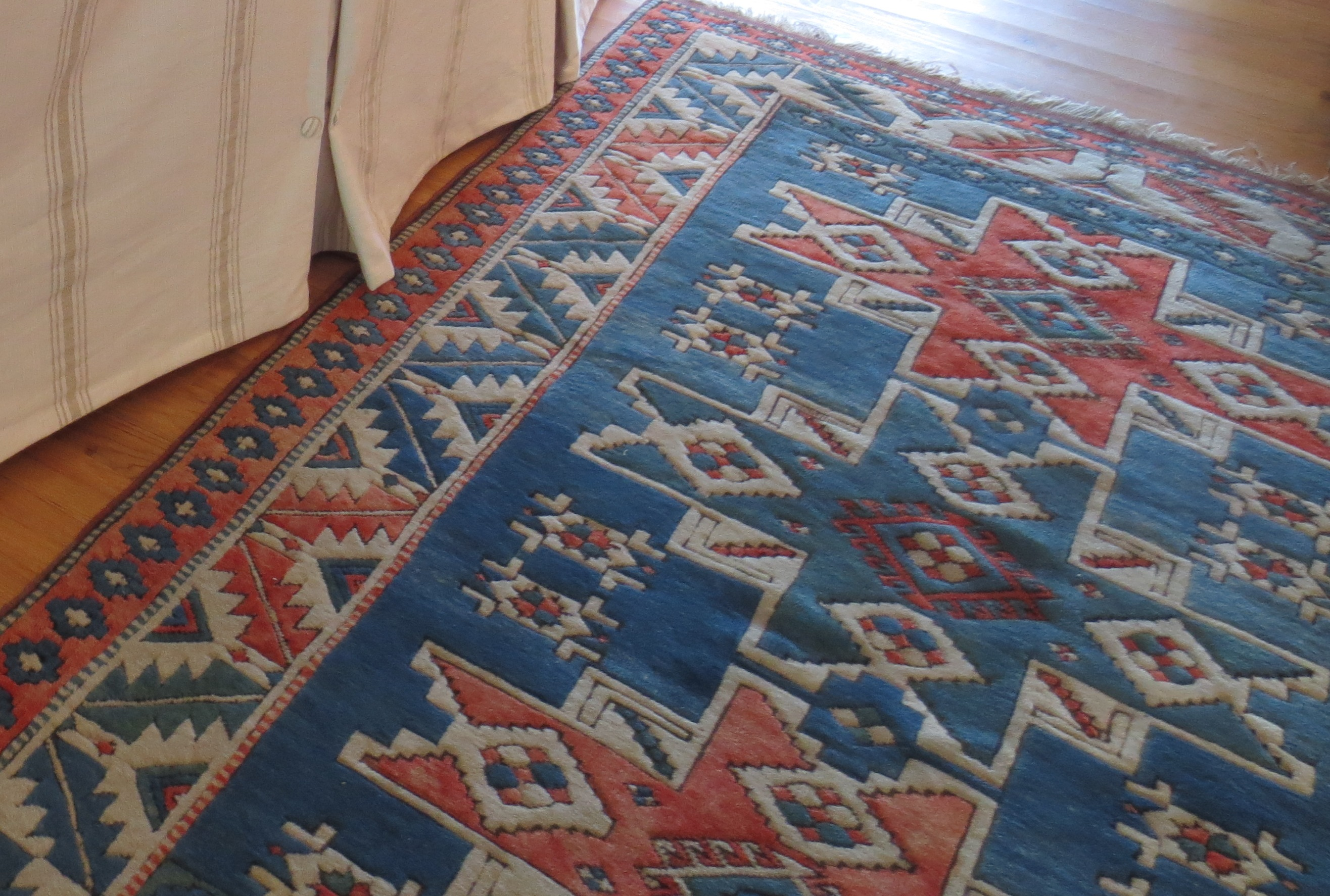 Blue And Red Area Rug Rugs Ideas