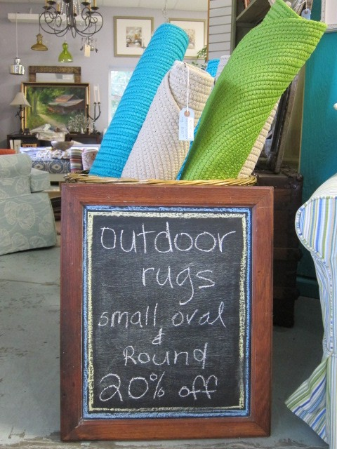 20% off small round & oval outdoor rugs.